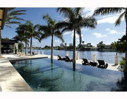 Bay Colony Waterfront Homes